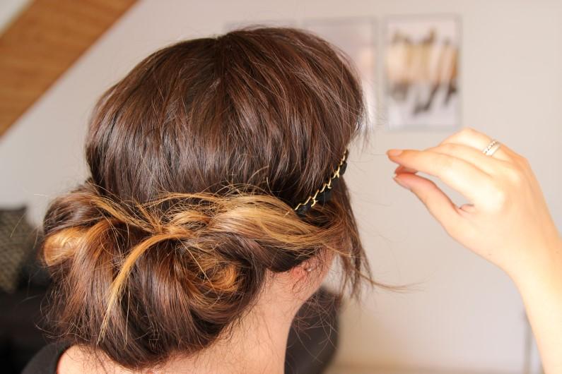 Festivalfrisur mit Haarband - Schritt 6a