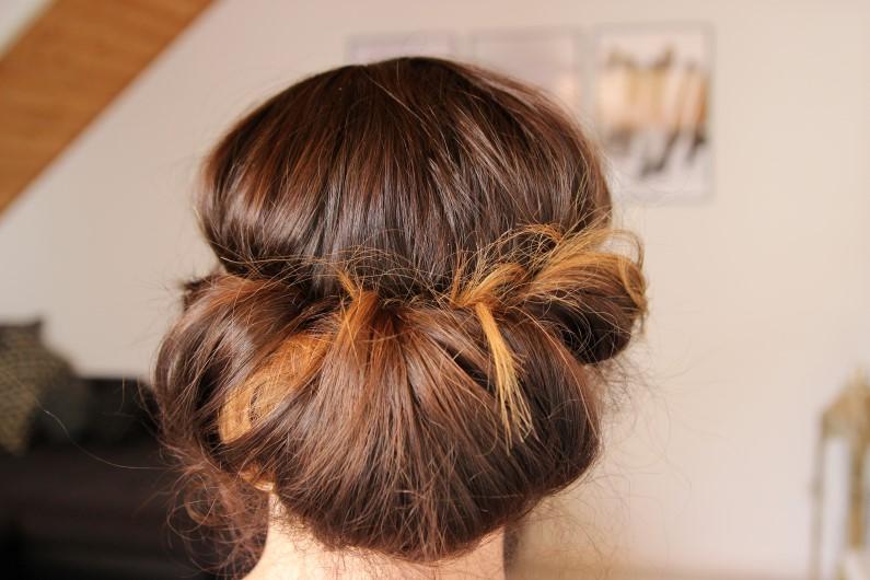 Festivalfrisur mit Haarband - Schritt 6b