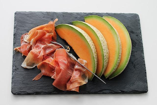 Kulinarische Reise Frankreich Melone und Schinken