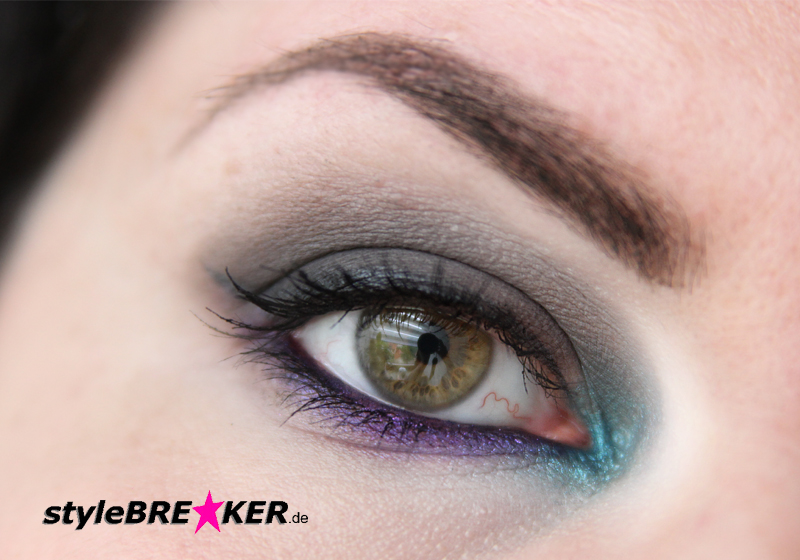 Beauty Inspiration - Make-Up in Purple, Petrol, Grey 1i