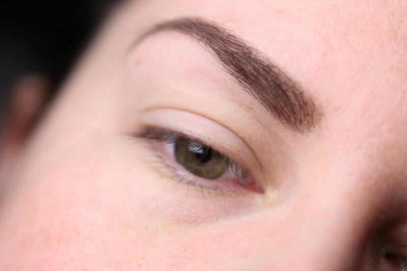 Blue Eyes Makeup - Schritt 1