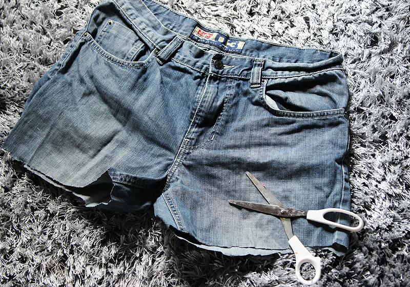 Jeansshorts mit Patches - Schritt 2