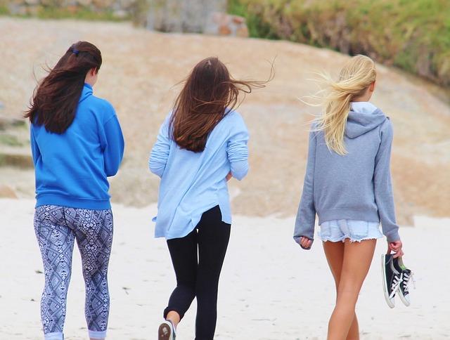 Sommer, Sonne, Strand und Meer - und unsere Haare? Wind im Haar