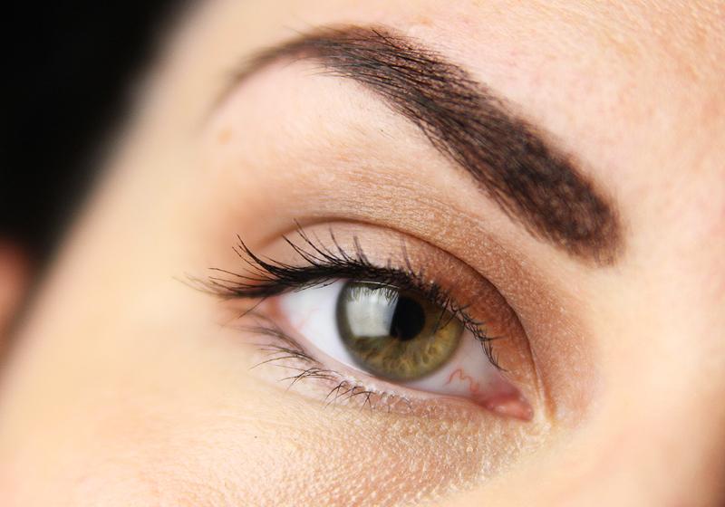 Makeup Holi Look - Schritt 1