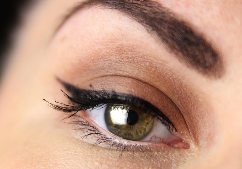 Makeup Holi Look - Schritt 2