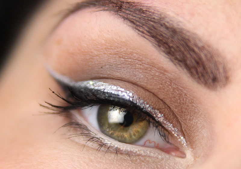 Smokey Eyes mit Glitzerliner 1c