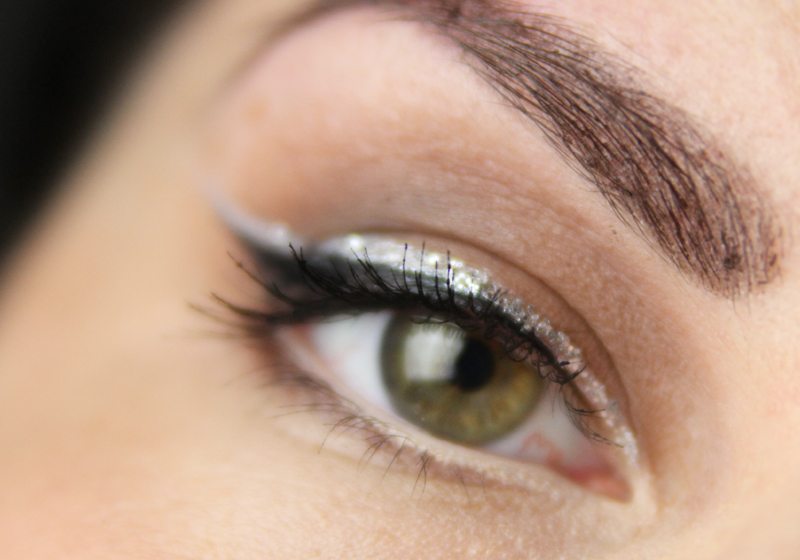 Smokey Eyes mit Glitzerliner 1d
